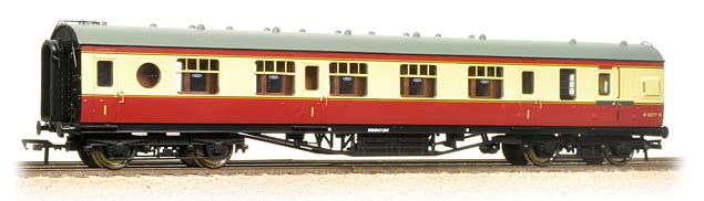 Bachmann BR 60ft First Class Brake Coach ex-LMS Porthole Stock Crimson & Cream OO 39-470