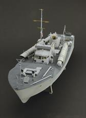 "Italeri 1/35 Vosper 72' 6"" MTB 77 Royal Navy WW2 Plastic Kit 5610 Model Length 631mmGlue and paints are required"