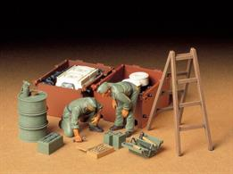Tamiya 1/35 German Tank Engine Maintenance Crew Set 35180Glue and paints are required