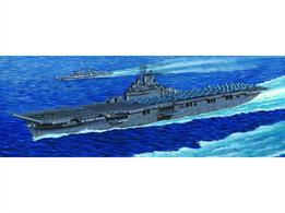 Trumpeter 1/350 USS Essex Aircraft Carrier WW2 05602Number of Parts 610Length 775mmGlue and paints are required