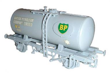 Dapol C24 00 Gauge 20 Tonne Tank Wagon Kit BP LiveryGlue and paints are required to assemble and complete the model (not included).