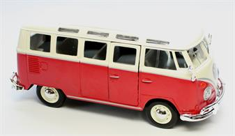 Maisto 1/25 Volkswagen Samba Van 31956The classic Volkswagen minibus van, this neatly deatiled and painted 1/25 scale model features openable side and rear hatch door, plus optional canvas roof section. Painted in red and cream with chrome bumpers, hub caps and lining.Colours May Vary