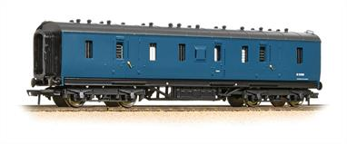 A detailed model of the LMS standard design of gangwayed full brake luggage van. These vans were used to convey passenger luggage on long distance trains and formed with similar vehicles into dedicated parcels trains. These vans would also have been added to the Travelling Post Office trains, transporting pre-sorted mail and parcels.This model painted in the BR corporate era blue livery,Era 6-7 - British Rail, 1968-1982