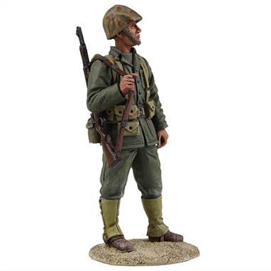 W Britain WW2 US Marine RiflemanThe Marine Corps has been a component of the U.S. Department of the Navy since 30 June 1834, working closely with naval forces for training, transportation, and logistics.1/30 ScaleMatt Finish