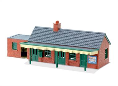 The pre coloured parts of this plastic kit can be assembled in a number of ways; further kits can be combined to make a larger structure if required.Quick and easy to assemble, this brick finished station building looks very attractive on any layout. Any other brick buildings from the Peco range will match this style. 168mm x 51mm