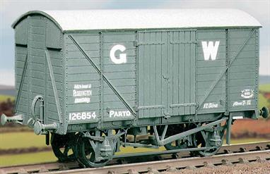 The later GWR standard design of ventilated box van using the RCH 10-feet wheelbase underframe, with over 7,000 generally similar wagons built between 1933 and 1945. This kit has been produced under the Ratio banner for many years and has now been merged into the Parkside range.