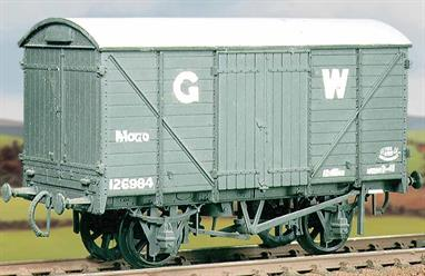 The GWR 'MOGO' vans were built between 1933 and 1936 to convey motor cars. Based on the standard GWR 10ft wheelbase RCH underframe box van the MOGOs were equipped with end doors and drop-down flaps to allow cars to be driven in and out using an end loading dock.This kit has been produced under the Ratio banner for many years and has now been combined with the Parkside range of kits.