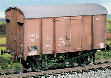 To reduce the demand on quality timber during WW2 the railway companies adapted with wagon designs to use plywood siding. These Southern Railway design vans with their distinctive triple-arc roof were built from 1945 with 2,500 being constructed and many lasting into the 1970s. This kit has been produced for many years under the Ratio banner and has now been merged into the Parkside range of wagon kits.