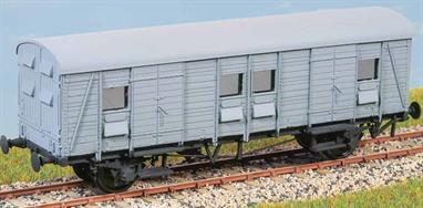 50 of these vans were built in 1938, with examples lasting into the 1980s and used to carry parcels, mail, luggage and motor vehicles. They were equally at home on branch line or main line trains. These finely moulded plastic wagon kits come complete with pin point axle wheels and bearings. Glue and paint will be required, along with appropriate transfers. Additional parts to enable the vehicle to be modelled incorporating modifications made to the prototypes during their working life are included where appropriate.Glue and paints are required to assemble and complete the model (not included)