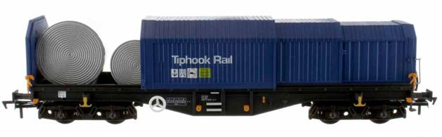 An excellent and highly detailed model of the VTG Ferrywagon telescopic hood covered coil wagons finished in Tiphook Rail blue livery. Designed to ensure that high-grade steel sheet being transported in rolls or coils for pressing of car body panels and domestic appliance casings arrived in perfect condition.The model features sliding hoods, allowing the interior to be accessed. Dapol have even supplied several steel coil models, ideal for representing a loading or unloading scene and displaying OO modelling at its' best.