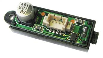Scalextric 1/32 Digital Plug Chip for Single Seat Scalextric cars C8516This digital chip that can be inserted into the new range of plug enabled cars that arrived from 2007. It converts a standard car to enable it for use on digital sets.