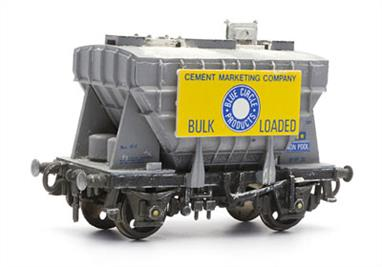 Dapol C40 00 Gauge Pressflo Cement Wagon KitGlue and paints are required