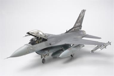 Tamiya 1/48 Lockheed F-16C Fighting Falcon Aircraft Kit 61101Glue and paints are required