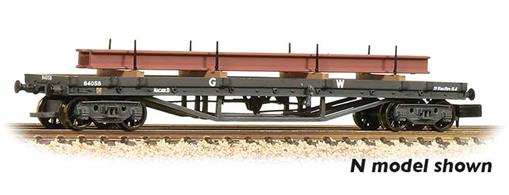 A good model of the 30-ton bogie bolster wagon with GWR plate frame bogies finished in GWR goods dark grey livery. supplied complete with a steel girder section load.Era 3 1923-1948 (grouping)