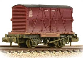 The container was first used in Edwardian times and by the BR era special flat wagons were bering built to carry containers by express goods trains.This model is carrying a large BD type container, painted in the BR crimson livery.