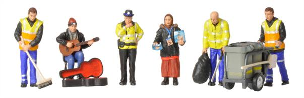 Bachmann OO Modern Street Scene Figures 36-411 is a Pack of 6 modern street scene figures including road sweepers, busker, Big Issue seller and PCSO.