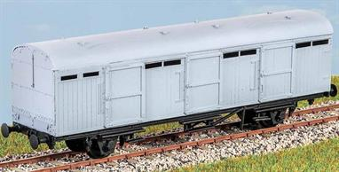 Built in two batches in 1939 and 1950, these vehicles (diagram 6) were used to carry parcels, mail and motor vehicles in passenger and parcels trains until 1980. These finely moulded plastic wagon kits come complete with pin point axle wheels and bearings.Glue and paints are required to assemble and complete the model (not included)