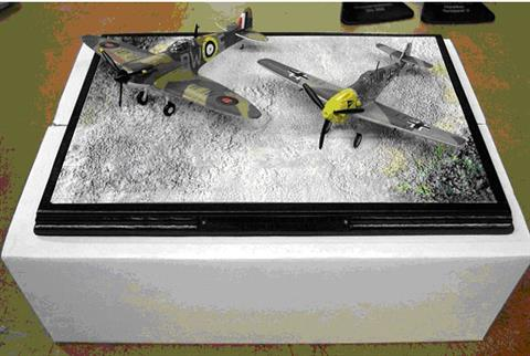 These sets come in mail order boxes, the aircraft come with wheels down (loose and to be fitted), for display on the supplied resin plinth, the box is white cardboard with a polystyrene inner cube