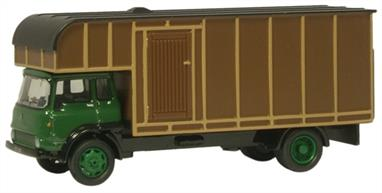 Oxford Diecast 1/76 Bedford TK Horsebox Green/Brown 76TK006Bedford TK Horsebox Green/Brown