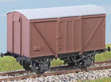 These wagons (diagram 1/176) were built by the LNER from the end of the Second World War. 3250 were constructed to this diagram. Lasted until the early 1970s. These finely moulded plastic wagon kits come complete with pin point axle wheels and bearings. Glue and paints are required to assemble and complete the model (not included).