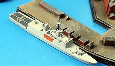 These models are some of the very best modern European warships available in this scale.