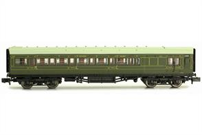 Dapol N Gauge 2P-012-053 Southern Railway Maunsell Design Brake Third Class Corridor Coach 4049 SR Lined Green Livery