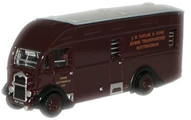 Oxford Diecast 1/148 Albion Horsebox J H Taylor & Sons NAH003