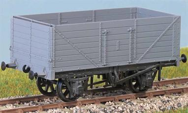 7-plank 12 ton Coal Wagon RCH Design 1923 Many thousands of these wagons were built to a standard Railway Carriage House design between the wars. This type was also used by both the LNER and LMS. Widely used until the early 1960s. These finely moulded plastic wagon kits come complete with pin point axle wheels and bearings.Glue and paints are required to assemble and complete the model (not included)