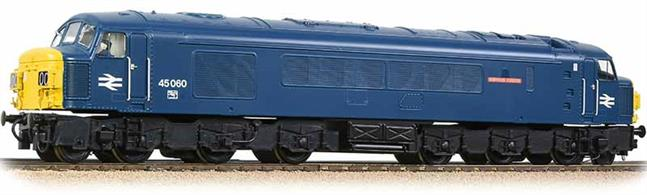 A fine and detailed model of the Derby type 4 class 45 with split headcode boxes. These large diesels were the mainstay of the Cross-Country network for many years.