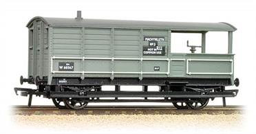 The Bachmann BR (ex-GWR) brake van is an excellent and well detailed model of these distinctive vehicles. This version carries the BR unfitted light grey paint scheme with black patches for lettering including the home depot details.