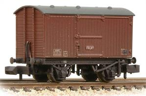A new model of the fruit van variant of the LNER ventilated box van with sliding doors and additional ventilation louvres.This model is painted in the later shade of BR goods bauxite.