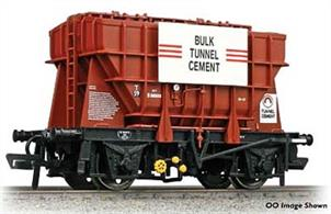 New Tooling.A new and highly detailed model of the BR Presflo bulk powder and cement wagons, fully updated and upgraded following the detailed research carried out for the OO gauge model.This model is painted in the BR bauxite goods livery with bulk tunnel cement advertising boards.