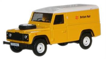 Oxford Diecast 1/76 British Rail Land Rover Defender 76DEF007