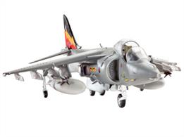 Revell 1/72 BAe Harrier GR Mk 7 04280Glue and paints are required