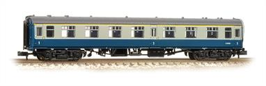 Bachmann Graham Farish N Gauge 374-819A BR Mk1 FO First Class Open Coach BR Blue & GreyA detailed model of the BR Mk.1 first class coach with open plan seating.This model painted in the British Rail corporate blue and grey livery.