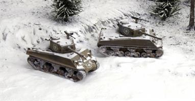 Italeri 7521 1/72 Scale US M4A3 Tank 76mm GunDimensions - Length 83mm.Two fast assembly tank kits for use with wargaming. Decals and full instructions are included.Glue and paints are required to assemble and complete the model (not included)