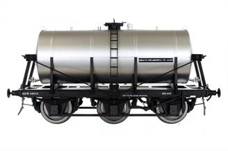 A detailed model of the 6-wheel express milk tank wagons built from the 1930s for the conveyance of bulk milk from country dairies to the bottling and distribution centres in major cities.Model finished with a plain silver tank and Unigate Creameriers owners plate, the usual livery post WW2 and into the British railways era.Expected Late Spring 2021