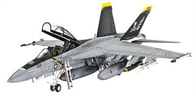Revell 1/72 F/A-18E Super Hornet Twinseater 04864Glue and paints are required
