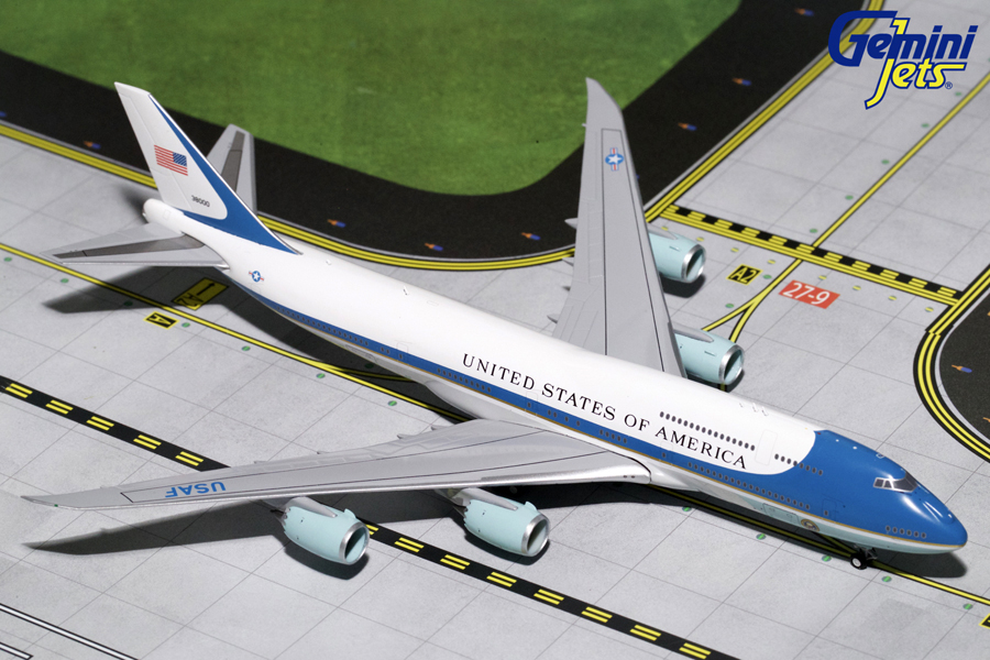 Gemini Jets 1/400 USAF Air Force One Boeing 747 -81 38000 Presidential Aircraft Model GJAFO1666<br>The Command Centre of the President of the USA is dipicted in this Gemini Jets GJAFO1666 1/400th scale diecast model of Air Force One a Boeing 747-81 Aircraft