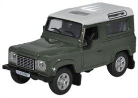 Oxford Diecast 1/76th Scale 76 LRDF001 Land Rover Defender 90 Station Wagon