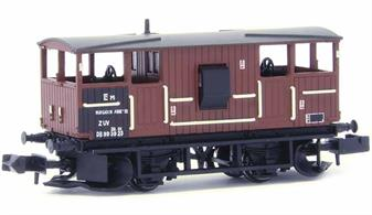 Nicely detailed model of the British Railways design Shark ballast train brake van finished in wagon bauxite livery.The Shark brake vans were fitted with ballast ploughs designed to distribute clean ballast dropped from hopper wagons across and to the sides of the track as the train moved forward, greatly speeding up the spreading of fresh ballast.