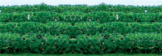 "Pack of 8 green hedges.5"" x 3/8"" x 5/8""."