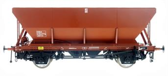 Production planned for spring/summer 2022.A detailed model of the BR HEA type air braked coal hopper wagons intended to replace the 1950s 21 ton hopper wagons in domestic and industrial coal distribution service. Serving smaller consumers HEA wagons would often be delivered by Air Brake Network and Speedlink Distribution train services mixed in with the open wagons, vans and ferry wagons.Model finished in BR goods wagon brown livery.