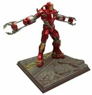 Dragon (Plastics) 1/24 Iron Man 3 Mark 35 Disaster Rescue Suit Red Snapper 35604This is a Painted Model.These highly detailed 3 inch models of Iron Man which include a diorama base require assembly and paint before they can be displayed.