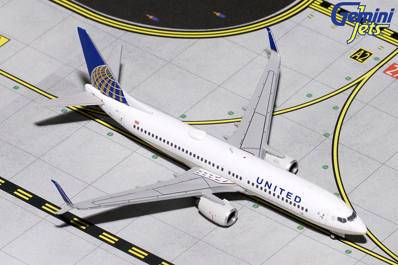 Gemini Jets GJUAL1458 1/400th scale model of a United Airlines Boeing B737-900 N75432