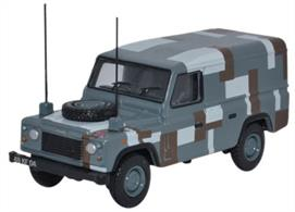 Oxford Diecast 1/76 Land Rover Defender Berlin Scheme 76DEF012