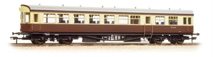 Bachmann Branchline 39-580 OO Gauge BR Western Region Auto Trailer Chocolate & Cream (Preserved) LiveryDimensions - Length 275mm.This highly detailed model features a detailed underframe including suspended steps and representation of front end cab control apparatus along with a host of features such as bogies fitted with all axle phosphor bronze (low friction) bearings. The bodyshell includes a detailed passenger interior and roof details with individually fitted GWR style shell vents. To finsih the coach prototypical length buffers are fitted and buffer beam detailing accessories are supplied. Eras 7-9 1971 onwards (Preserved).