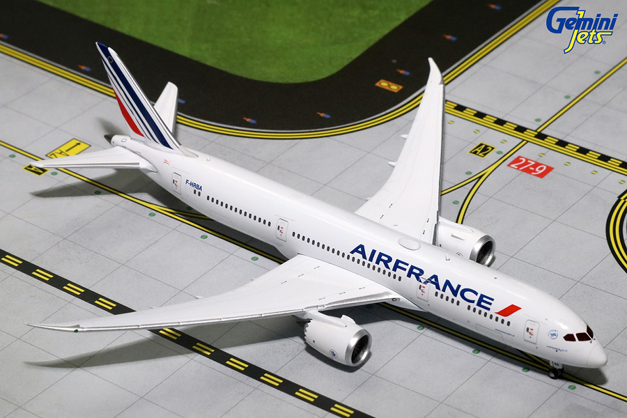 Gemini Jets 1/400 Air France Boeing B787-9 F-HRBA Diecast Aircraft Model GJAFR1602