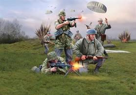 Revell 1/72 German Paratroops (WWII) 02532Number of Figures: 44    Number of Parts: 50
