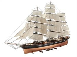 Revell 1/96th Scale plastic Kit Cutty Sark Tea Clipper Sailing Ship 05422Number of Parts 698   Length 914mm  Height 558mm